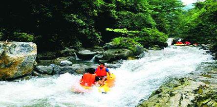 巴南龙泉谷高山泉水漂流、七朵玫瑰园一日游
